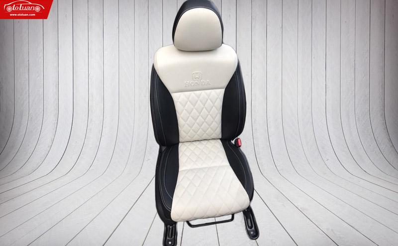 mẫu ghế da ô tô đen trắng
