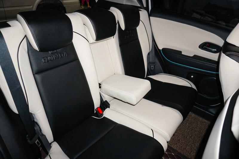Độ bệ gác tay xe Honda H-RV bản G