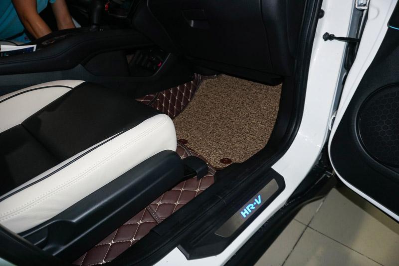 Lót sàn xe HRV 2018 bằng chất liệu 5D